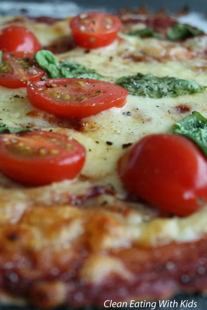 clean eating classic margherita pizzza