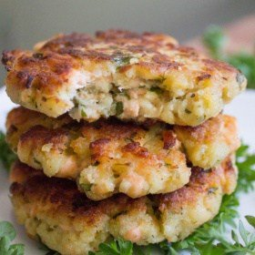 Clean Eating Salmon Cakes