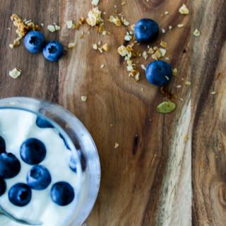 Granola yogurt and blueberries