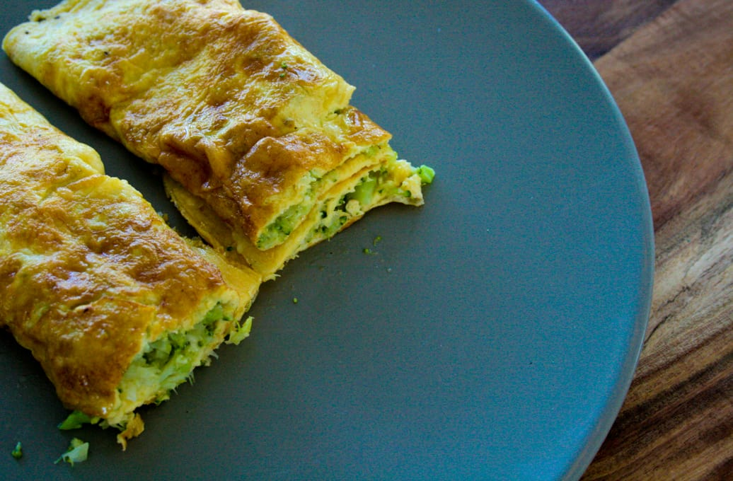 Clean-Eating-Broccoli-and-Cheese-omelette-2.jpg