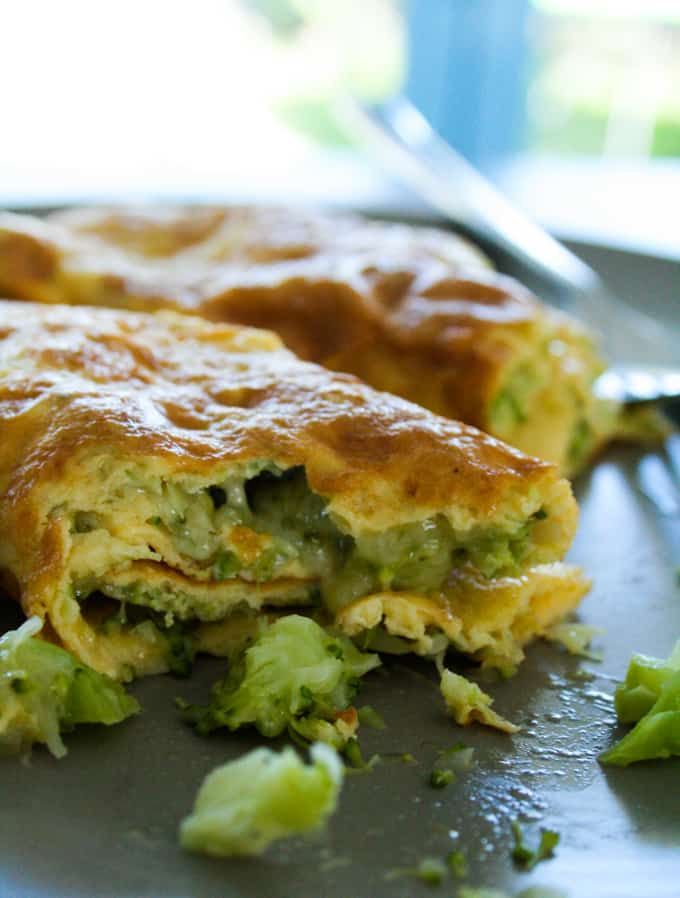 Clean-Eating-Broccoli-and-Cheese-omelette-6.jpg
