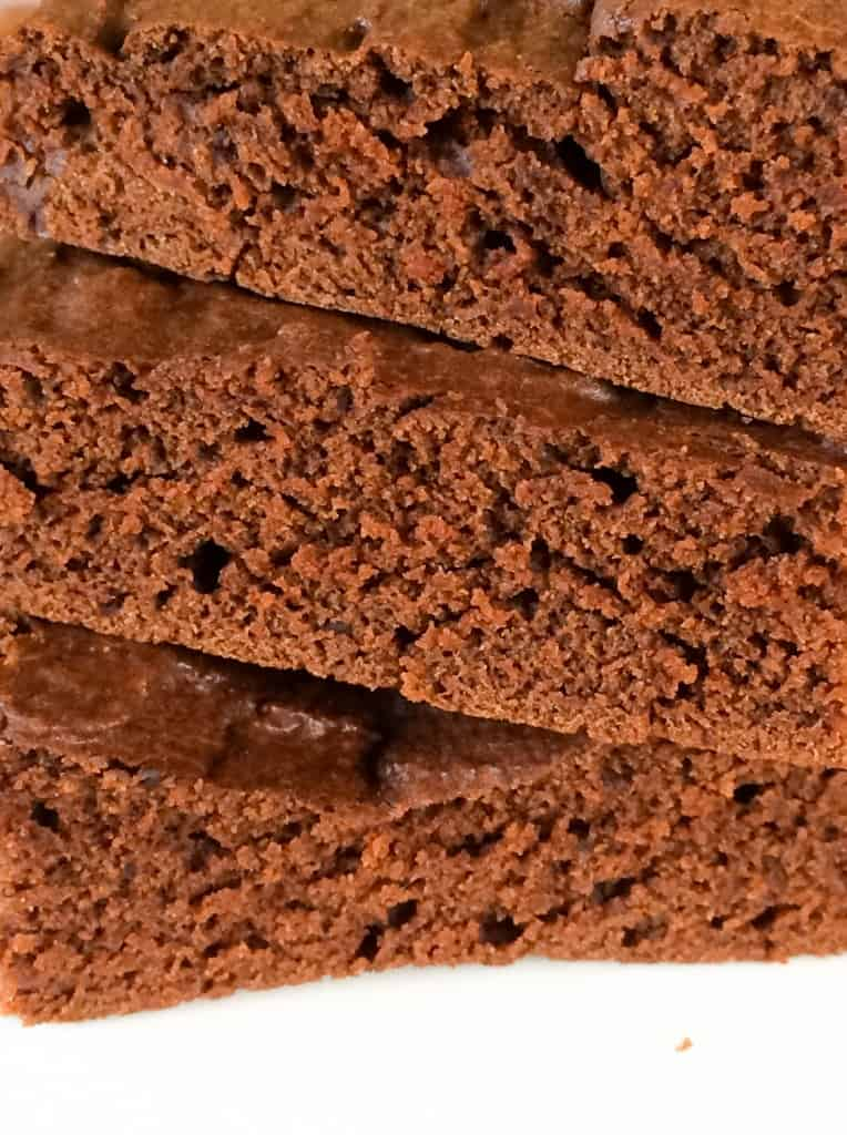 Super easy to make Clean Eating Chocolate Brownies. These are AMAZING!!!