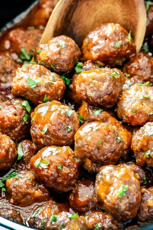 Slow-Cooker-Honey-Buffalo-Meatballs-05