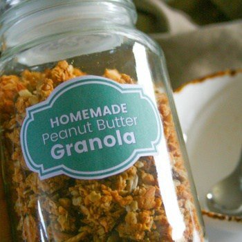 Clean Eating Homemade Peanut Butter Granola. Makes 5 cups of crunchy refined sugar free breakfast granola.