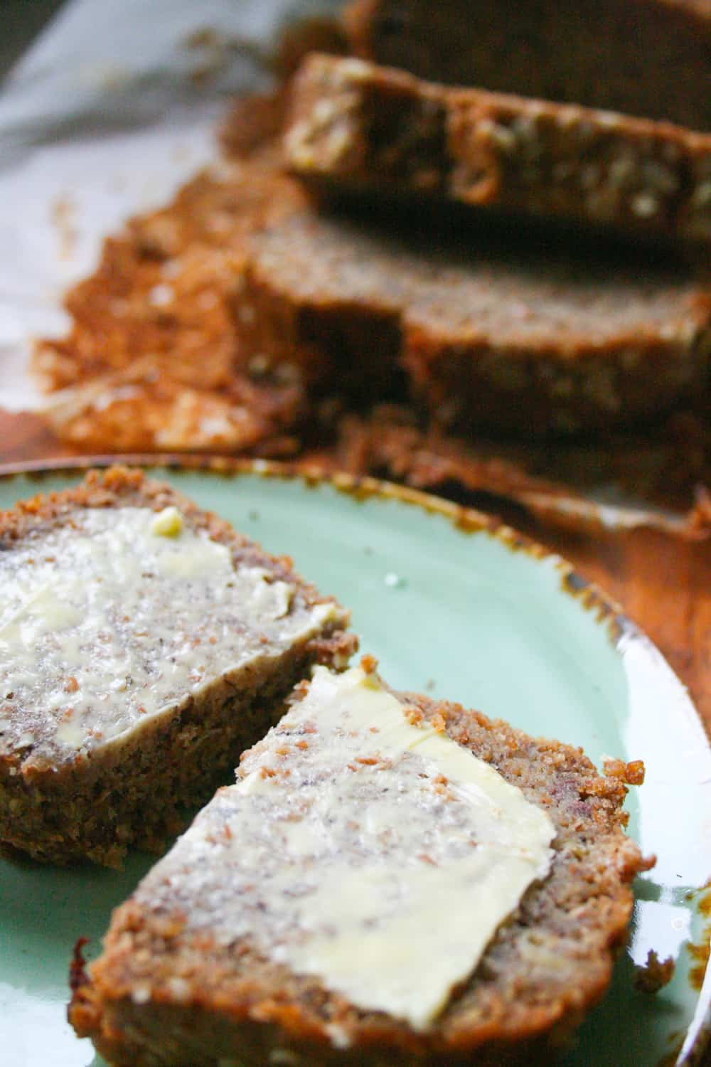 Classic clean eating banana bread clean eating with kids looking for a classic clean eating banana bread that the family will love this banana forumfinder Image collections