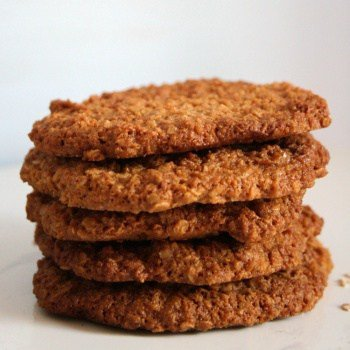 Clean Eating Crunchy Coconut & Oat Biscuits