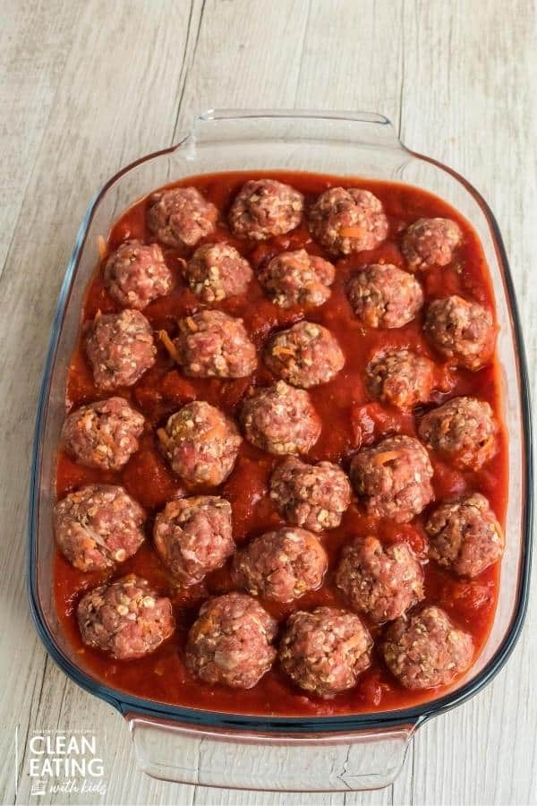 Clean Eating Meatballs in tomato Sauce-5