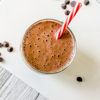 clean eating choc chia breakfast smoothie