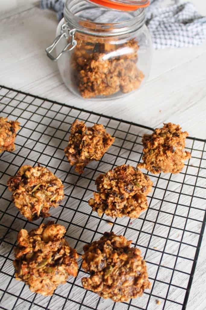 clean eating date and nut cookies-1