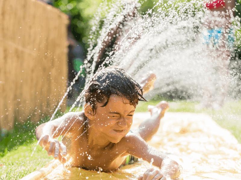 garden-water-playing
