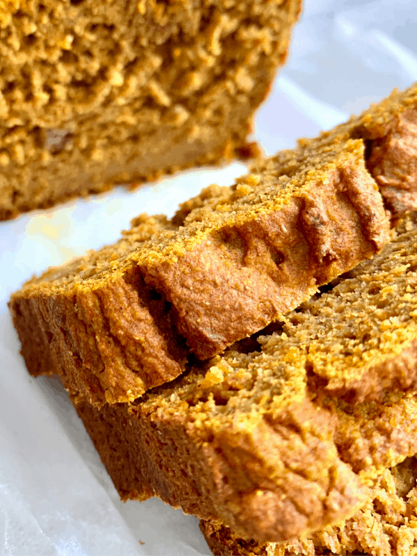 spiced pumpkin bread loaf